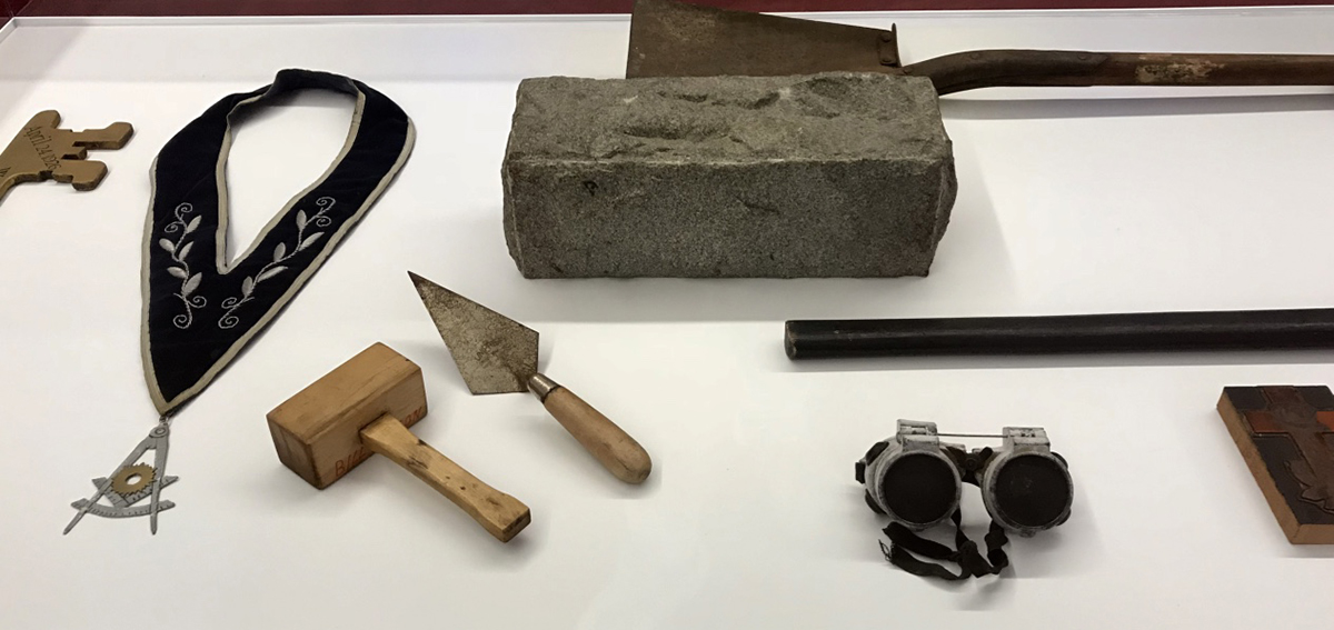 working tools, past master jewel, trowel, mallet, rough ashlar